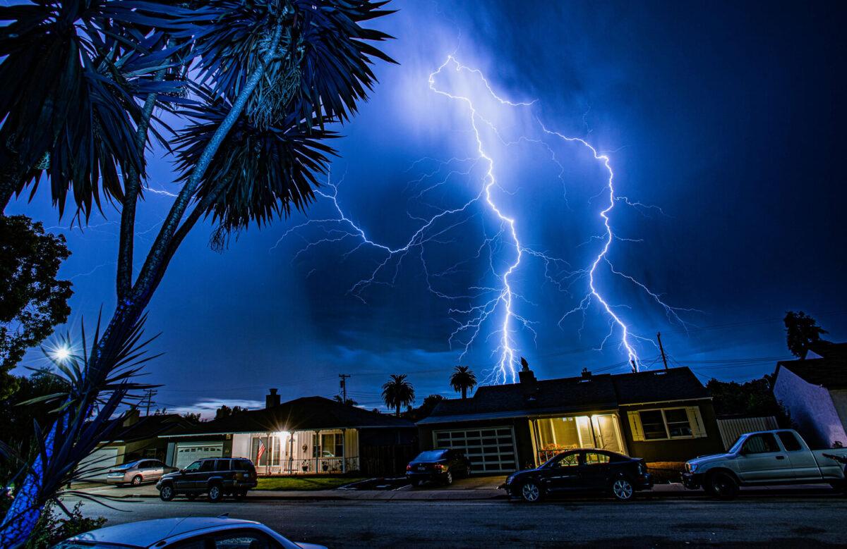 Perfect Shot: San Mateo Lightning Storm